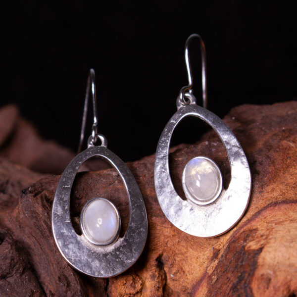 a pair of Moonstone cabachon earrings