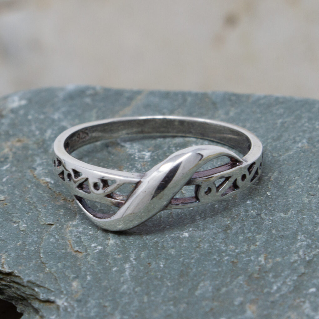 Silver Filigree Ring With a Twist