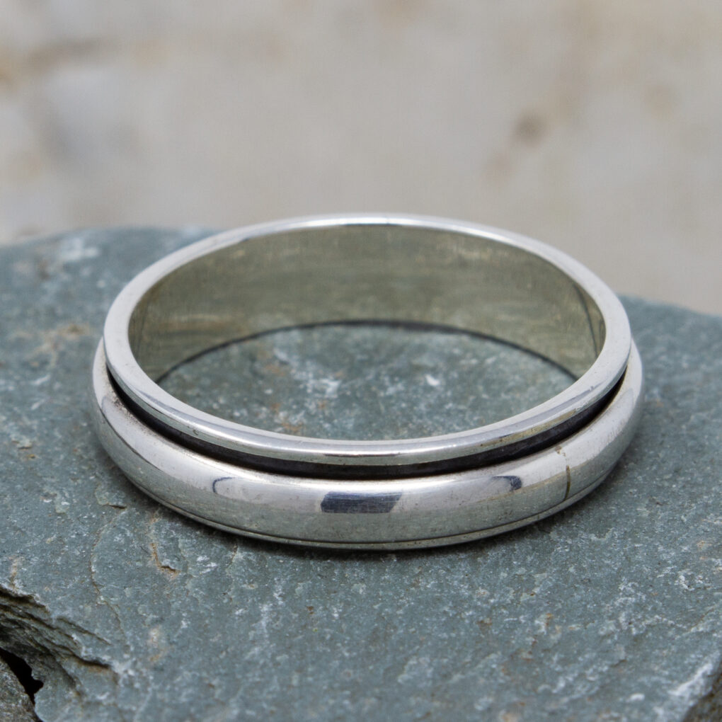 Single Band Wedding Ring
