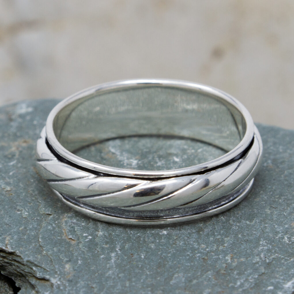 Twisted Rope Spinning Ring