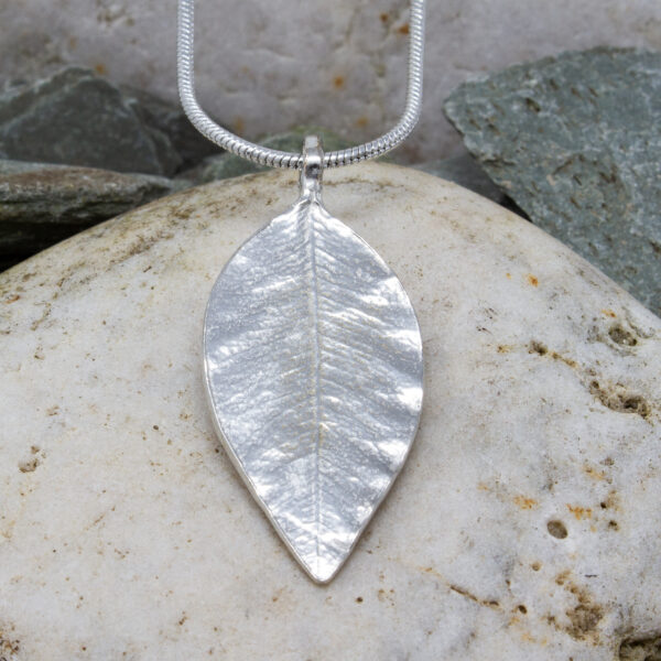 leaf pendant pewter