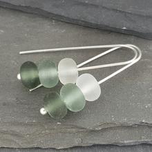 glass trio earrings grey