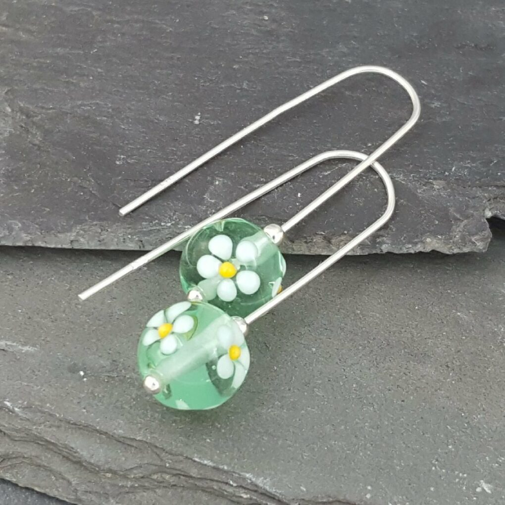 Glass posy earrings - Daisy
