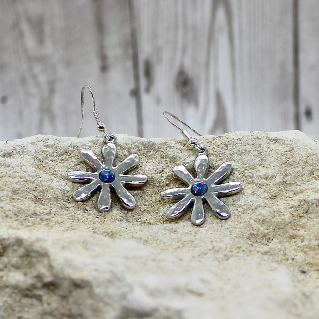 Dahlia earrings opalised Glass