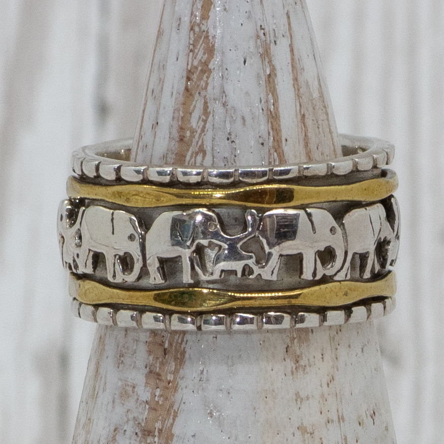 Large Elephant spinning Ring